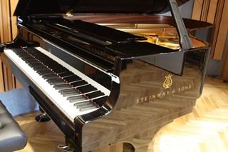 常設グランドピアノ STEINWAY B-211